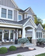 Elegant Farmhouse Exterior Design Ideas To Try16