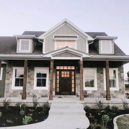 Elegant Farmhouse Exterior Design Ideas To Try33