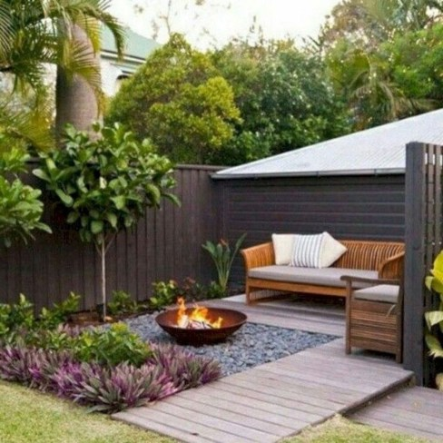 Lovely Backyard Garden Ideas That Looks Elegant43