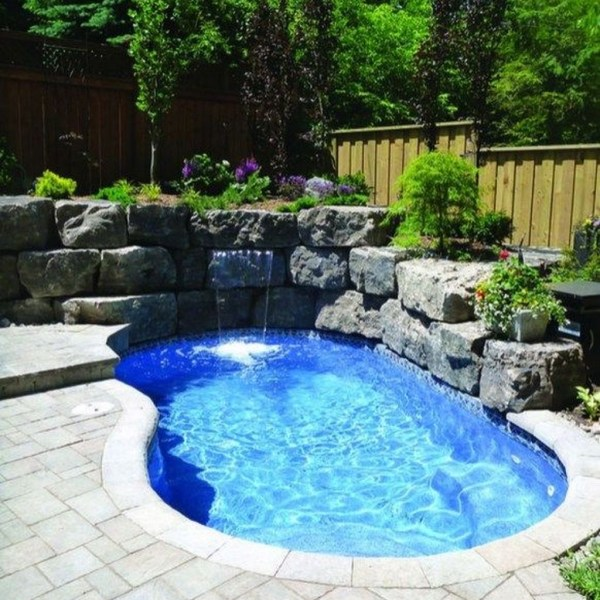 Popular Small Swimming Pools Design Ideas For Small Backyards35