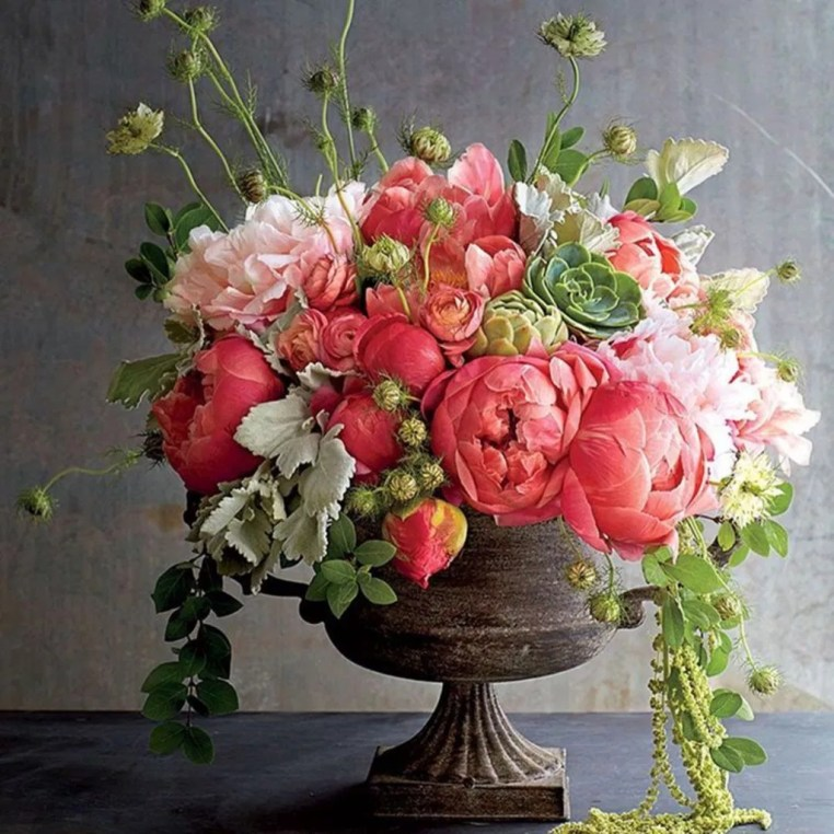 Stylish Lower Arrangements Ideas For Table Decorating01