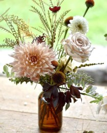 Stylish Lower Arrangements Ideas For Table Decorating07