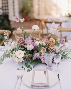 Stylish Lower Arrangements Ideas For Table Decorating36