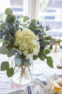 Stylish Lower Arrangements Ideas For Table Decorating37