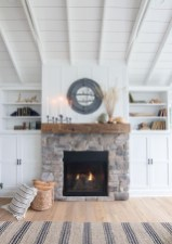Wonderful Fireplace Makeover Ideas For Fall Home Décor09