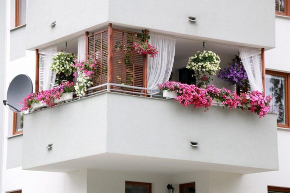Charming Balcony Design Ideas For Summer42