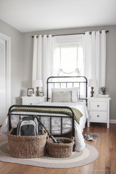 Cute Bedroom Makeover Design Ideas To Try Asap43