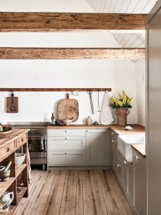 Extraordinary Farmhouse Kitchens Design Ideas That Have An Elegant Looks03