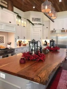 Extraordinary Farmhouse Kitchens Design Ideas That Have An Elegant Looks25