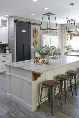 Extraordinary Farmhouse Kitchens Design Ideas That Have An Elegant Looks37