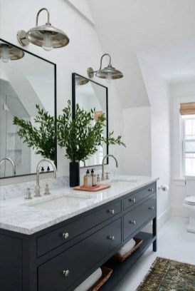 Fascinating Farmhouse Master Bathroom Remodel Ideas To Have Now15