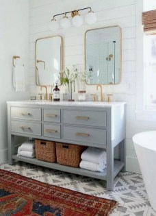 Fascinating Farmhouse Master Bathroom Remodel Ideas To Have Now23