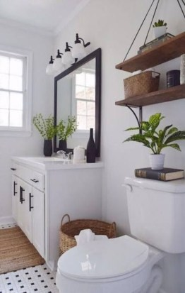 Fascinating Farmhouse Master Bathroom Remodel Ideas To Have Now42