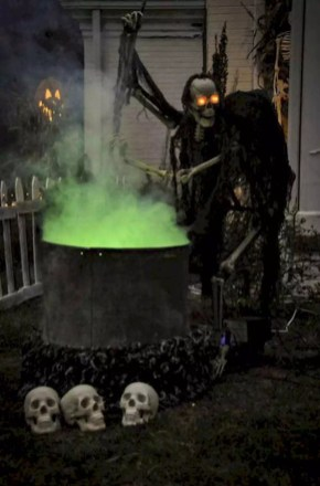 Outstanding Diy Halloween Decorations Ideas For Party Decor26