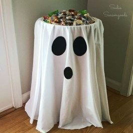 Outstanding Diy Halloween Decorations Ideas For Party Decor35