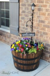 Pretty Planter Design Ideas For Summer Porch To Looks Amazing14