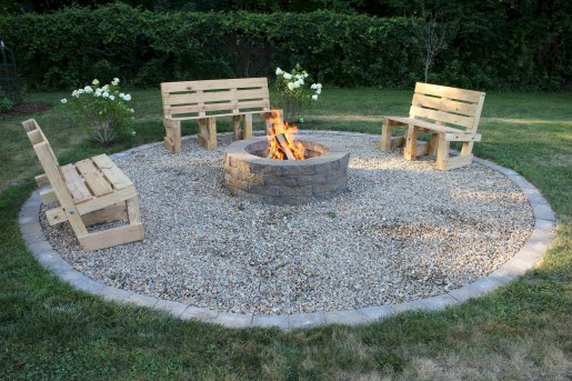 Superb Diy Fire Pit Ideas To Try In The Backyard11