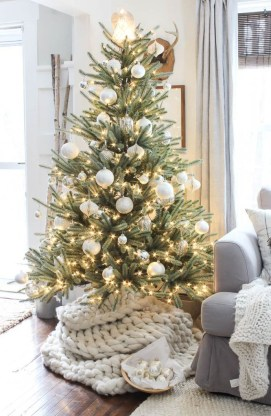 Adorable Christmas Home Design Ideas To Fun Up Your Home06