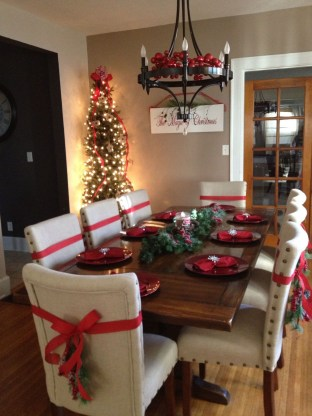 Adorable Christmas Home Design Ideas To Fun Up Your Home07