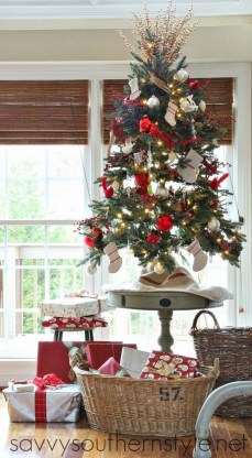 Adorable Christmas Home Design Ideas To Fun Up Your Home08