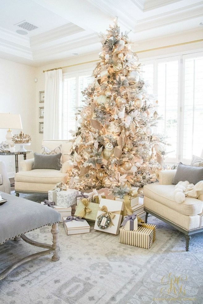 Adorable Christmas Home Design Ideas To Fun Up Your Home19