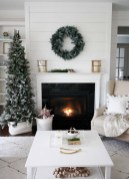 Extraordinary Christmas Living Room Decoration Ideas To Try Asap01