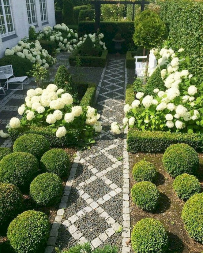 Fascinating Front Yard Landscaping Design Ideas To Try Right Now14
