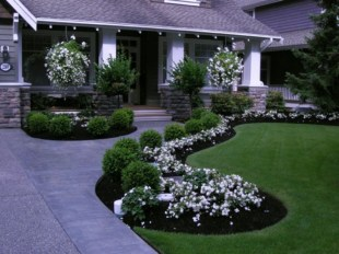 Fascinating Front Yard Landscaping Design Ideas To Try Right Now20