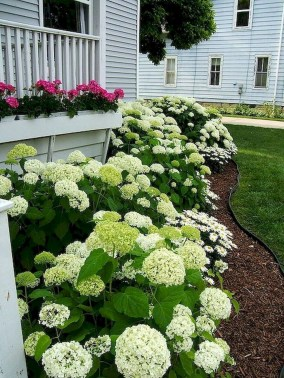 Fascinating Front Yard Landscaping Design Ideas To Try Right Now25