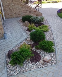 Fascinating Front Yard Landscaping Design Ideas To Try Right Now32