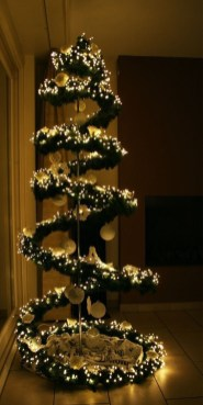 Trendy Diy Christmas Trees Design Ideas That Using Simple Free Materials14