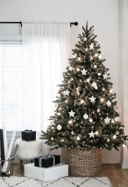 Trendy Diy Christmas Trees Design Ideas That Using Simple Free Materials18