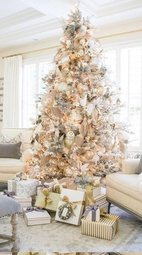 Trendy Diy Christmas Trees Design Ideas That Using Simple Free Materials31