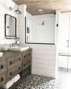 Trendy Farmhouse Bathroom Design Ideas To Try Right Now31