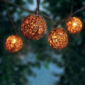 Unusual Diy Christmas Light Balls Ideas For Outdoor Decoration19