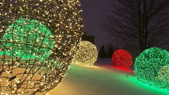 Unusual Diy Christmas Light Balls Ideas For Outdoor Decoration21