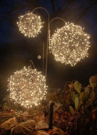 Unusual Diy Christmas Light Balls Ideas For Outdoor Decoration33