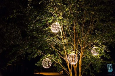 Unusual Diy Christmas Light Balls Ideas For Outdoor Decoration34