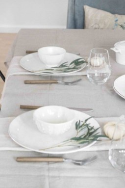 Amazing Thanksgiving Tablescapes Ideas For More Taste And Enjoyful36