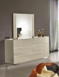 Attractive Bedroom Dressers Ideas With Mirrors To Try This Year13