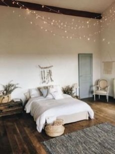 Best String Lights Ideas For Bedroom To Try Asap02