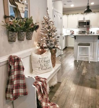 Hottest Farmhouse Christmas Decorations Ideas To Try Asap06