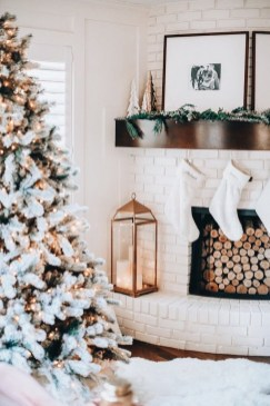 Hottest Farmhouse Christmas Decorations Ideas To Try Asap07