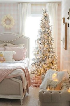 Latest Christmas Bedroom Decor Ideas For Kids To Try09