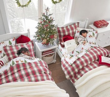 Latest Christmas Bedroom Decor Ideas For Kids To Try13