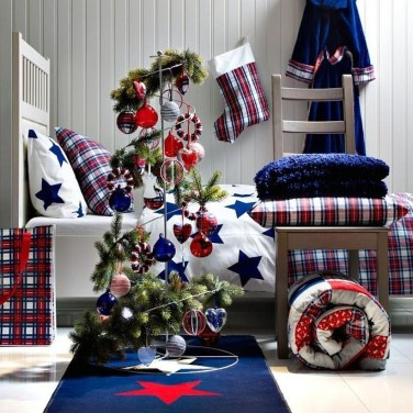 Latest Christmas Bedroom Decor Ideas For Kids To Try31