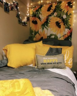 Latest Diy Sunflower Bedroom Decoration Ideas To Try Asap31