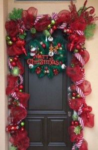 Newest Christmas Door Decoration Ideas You Must Try Right Now26