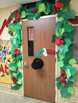 Newest Christmas Door Decoration Ideas You Must Try Right Now29