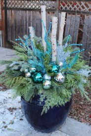 Trendy Outdoor Christmas Decorations To Copy Right Now22